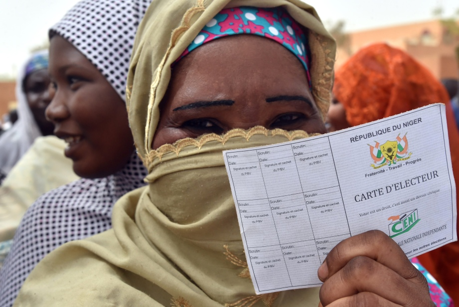 TOPSHOT-NIGER-POLITICS-VOTE