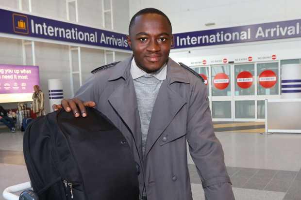 anthony-kofi-annan-at-airport