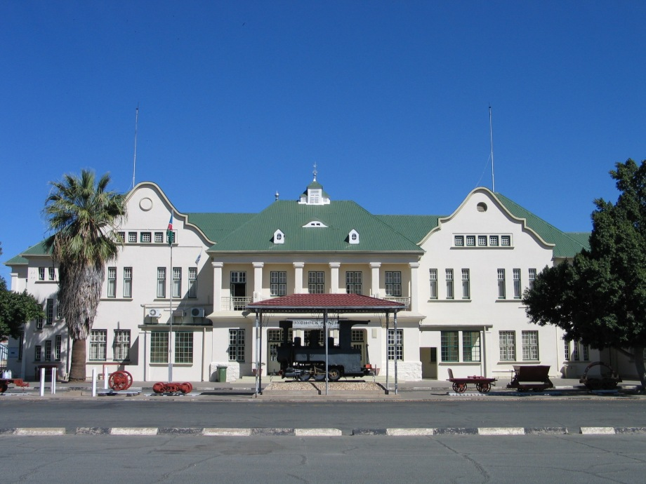 bahnhof-windhoek-the-city-where-most-safaris-travelling-through-namibia-begin